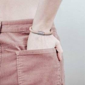 Bracelet avec fermoir magnétique argent mat et câble RD71 (ZigZag Vieux Rose et Lin Naturel)