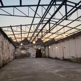 #BeCreative: Les luminaires de Creative-Cables transforment l'ancien bureau de tabac Tabaccaia